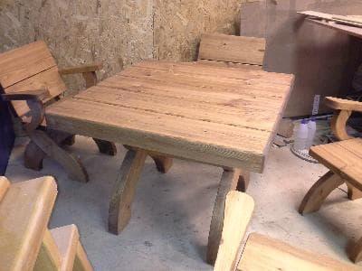 Столы для комнаты отдыха бани или сауны
