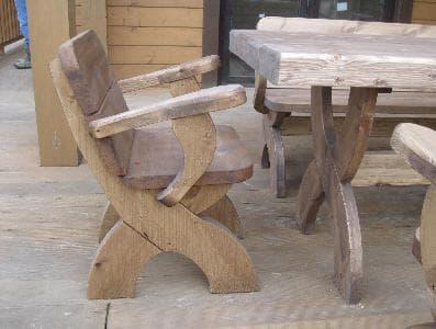 Кресло деревянное для дачи и сада