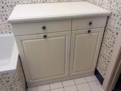 Тумба под стиральную машину и корзиной для белья