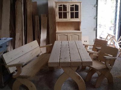 Стол , скамья, кресла и буфет