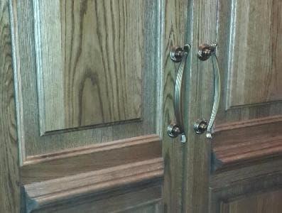 Распашная дверь тамбура из массива дуба